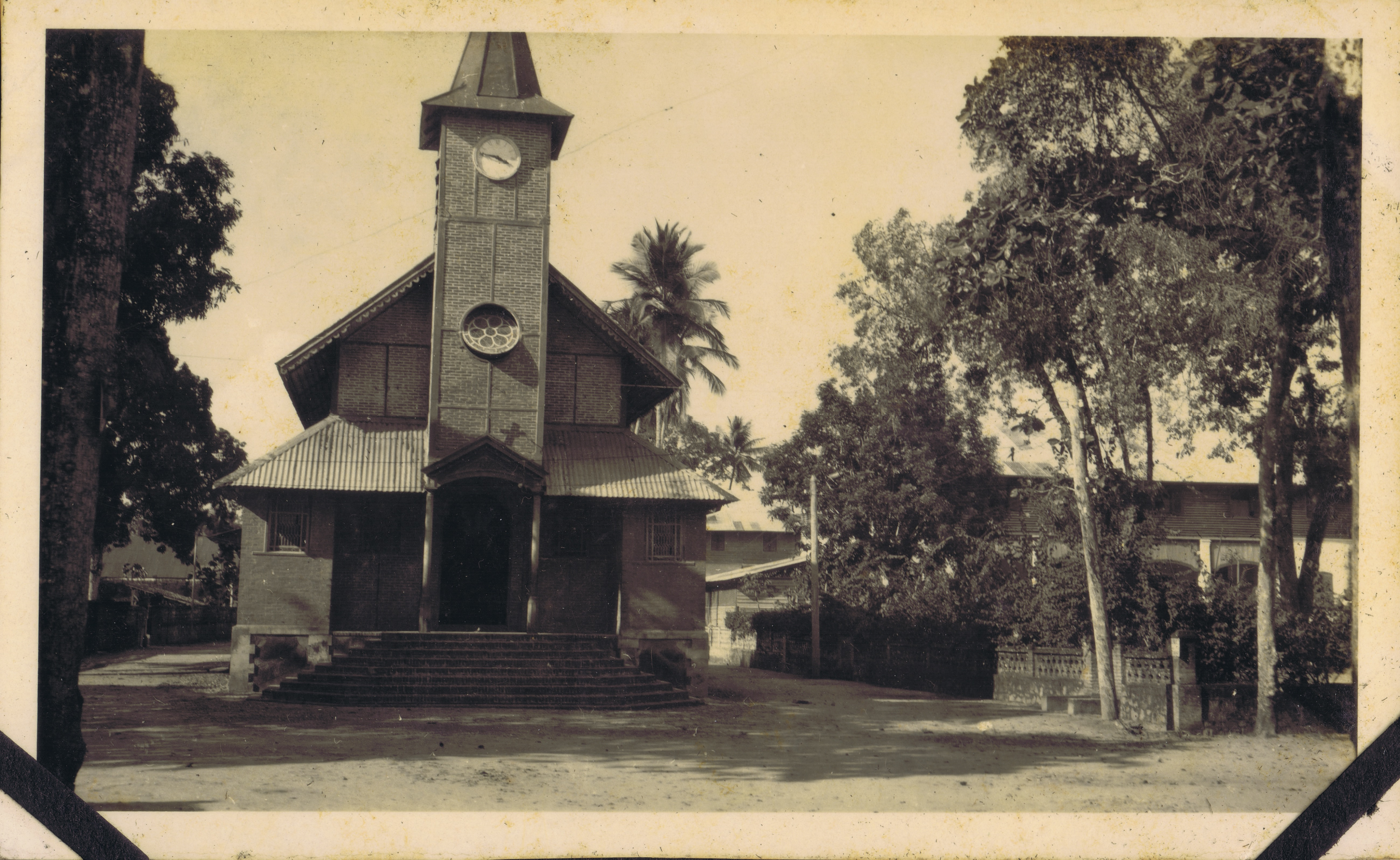 L'église de Saint-Laurent du Maroni / photo d'archives évêché de Cayenne