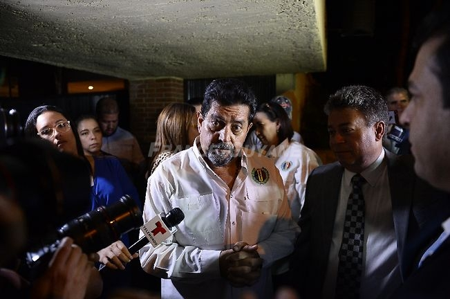<p>L'opposant vénézuélien Edgar Zambrano après sa libération de prison, le 17 septembre 2019 à Caracas. Zambrano, the vice president of the National Assembly, was arrested by President Nicolas Maduro's intelligence service in May 2019 for supporting a failed April 30 uprising organized by opposition leader Juan Guaido.</p> - Matias Delacroix                     (AFP)