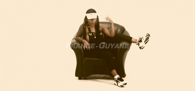 Chinee Queen : Freestyle (Bad Queen Mi Name) #1