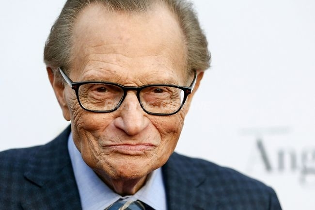 <p>Larry King le 1er mai 2017 à Hollywood</p> - Rich Fury (GETTY IMAGES NORTH AMERICA/AFP/Archives)